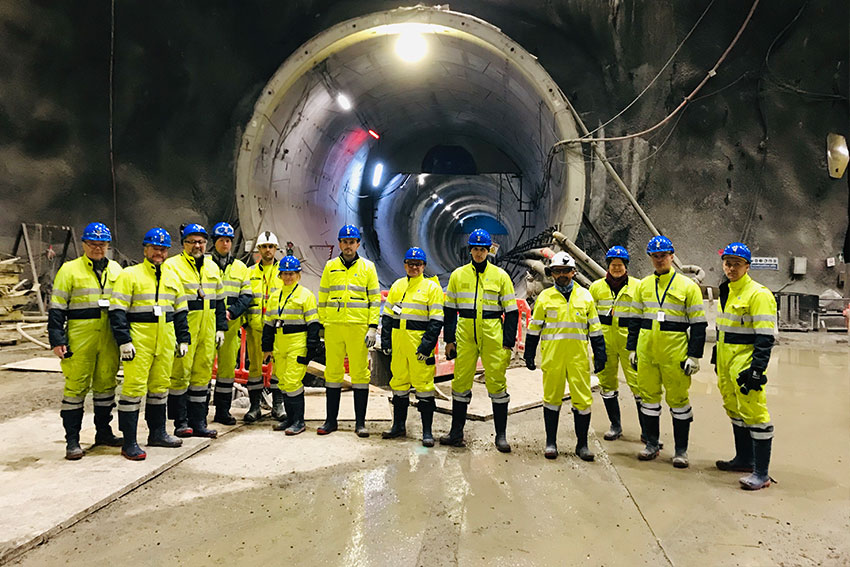 the team at the entrance of the tunnel Oslo Follo Line project