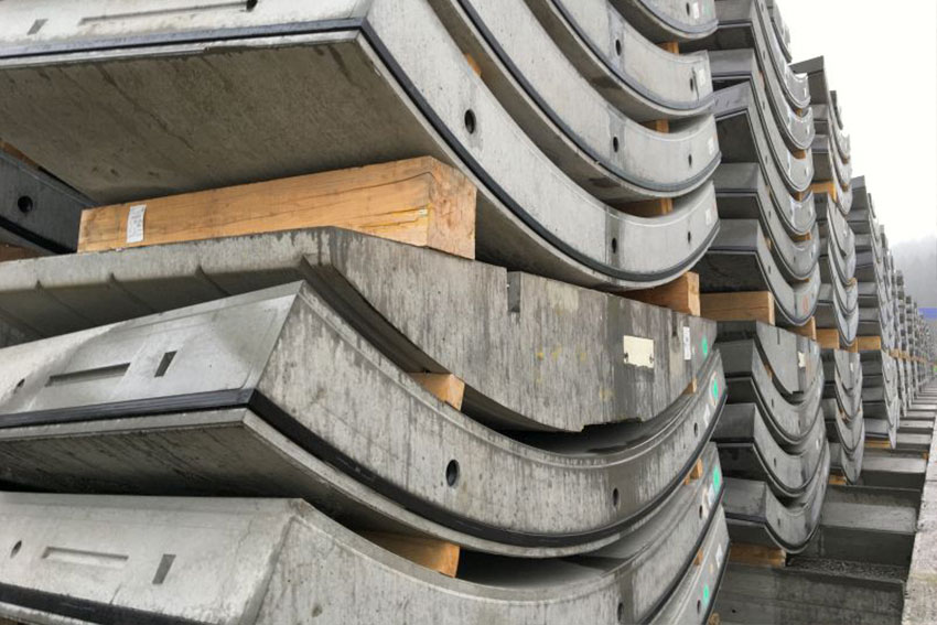 Tuebbing segments stacked at Oslo Follow Line project
